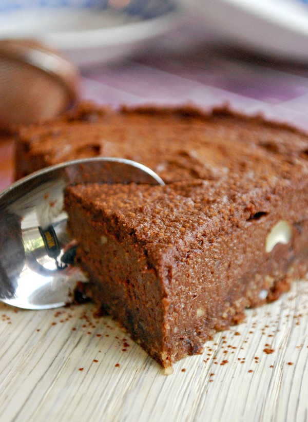 Chocolate Cashew Cake, no bake