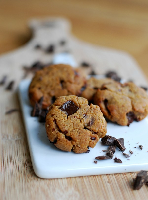 Healthy/hälsosamma chocolate chip peanut butter cookies (gluten free/glutenfritt, no sugar added/utan tillsatt socker) //Baka Sockerfritt