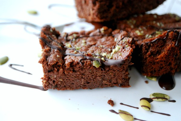 Healthy brownie with pumpkin seeds - Brownie med pumpafrö (nötfri)