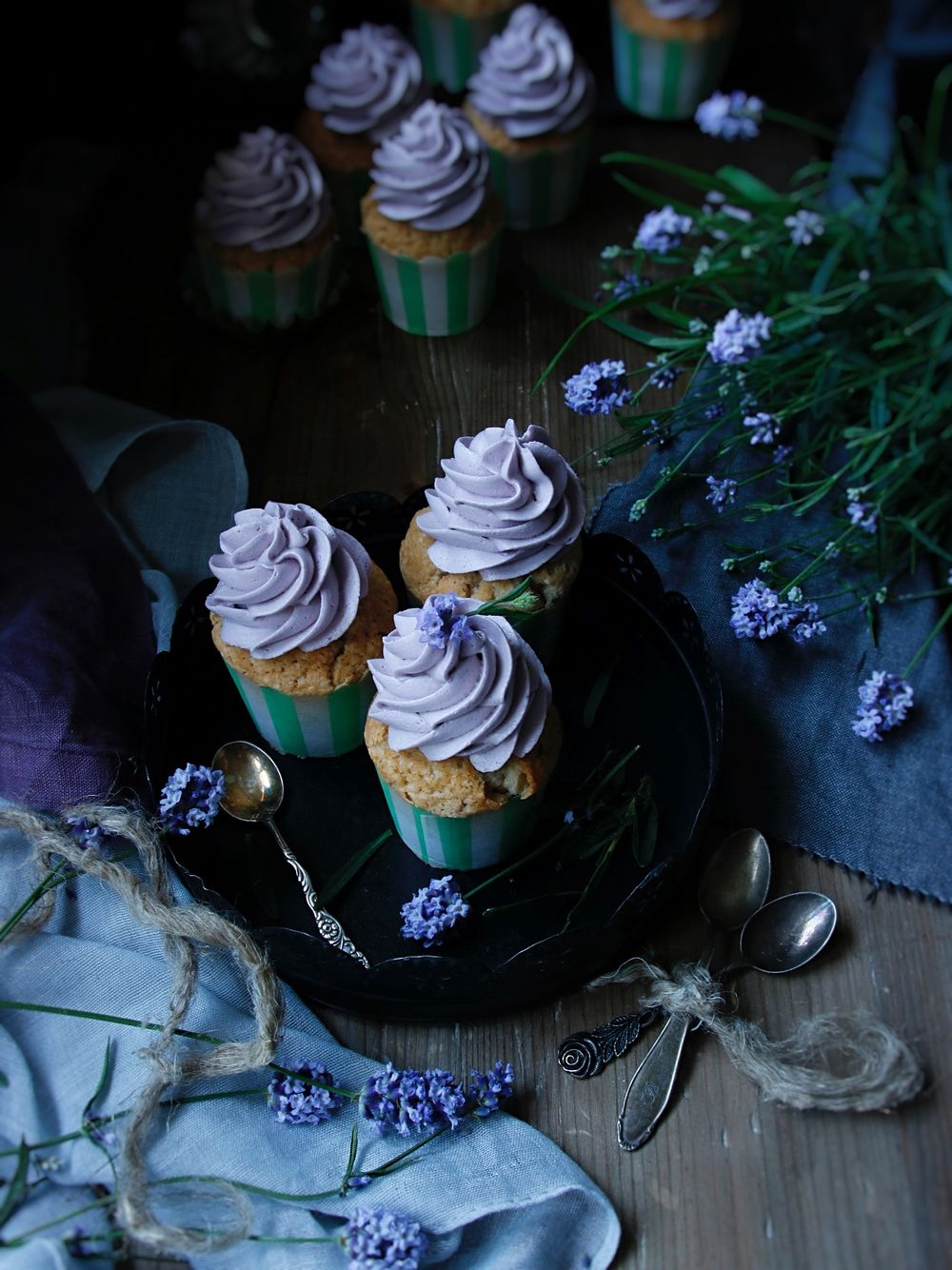 Earl Grey cupcakes med lavender frosting