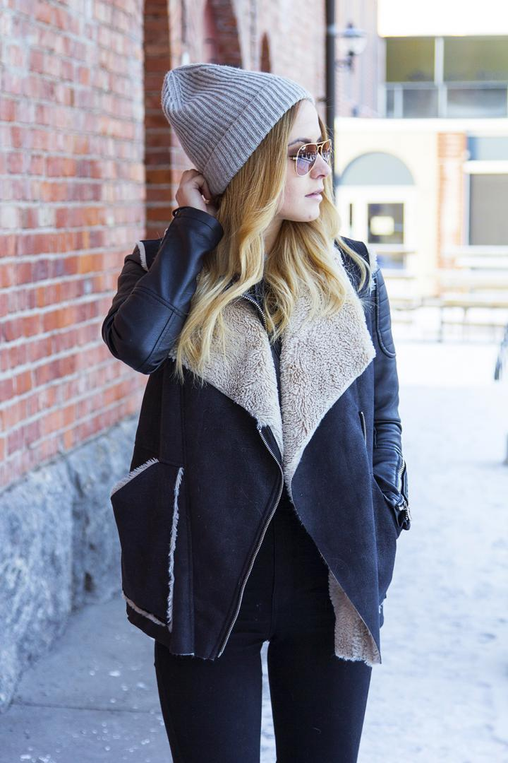 fashion blogger outfit winter leather