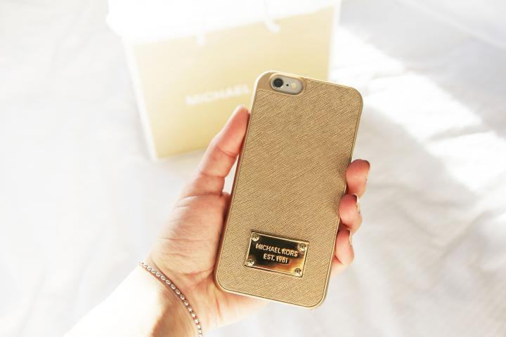 michael kors metallic leather light gold smartphone case