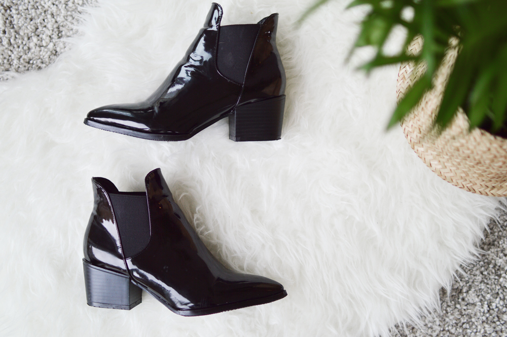 black-shiny-pointy-boots