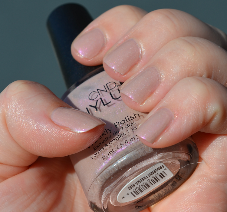 cnd vinylux fragrant freesia2
