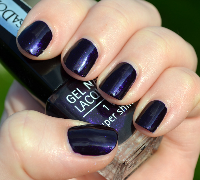 isadora-gel-nail-lacquer-midnight2.png