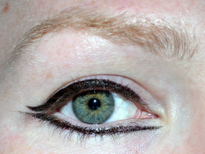 maybelline master graphic eyeliner review recension.png