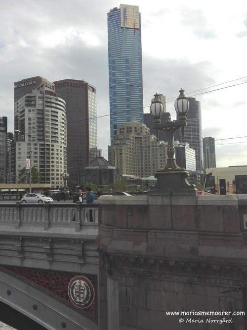 Yarra river bridge, sky scrapers and Eureka Skydeck 88
