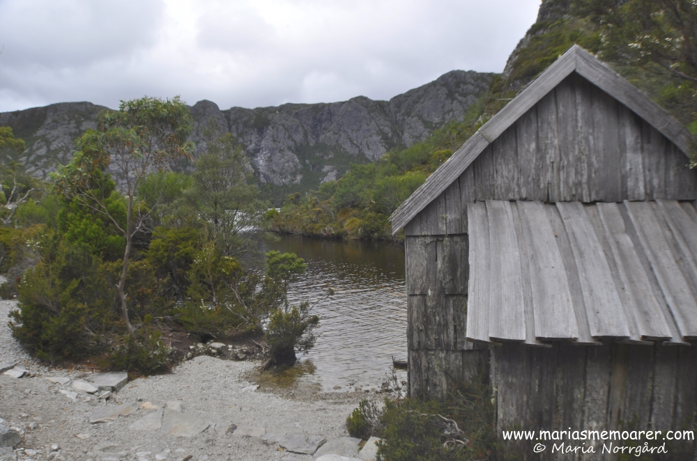 Boat shed by Crater Lake, Cradle Mountain, Tasmania / båtskjul vid Crater Lake, Tasmanien