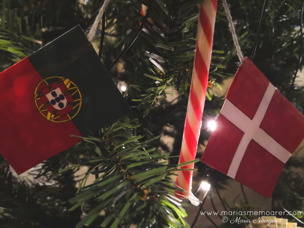 christmas decorations for travel nerds: flag garlands