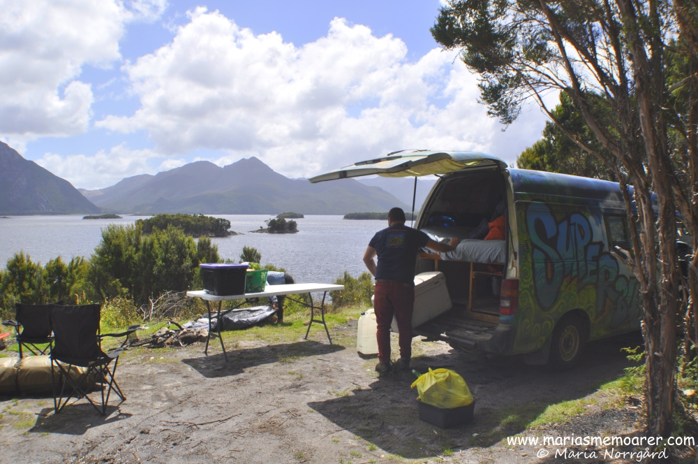 Lake Burbury, the perfect lunch spot in Tasmania