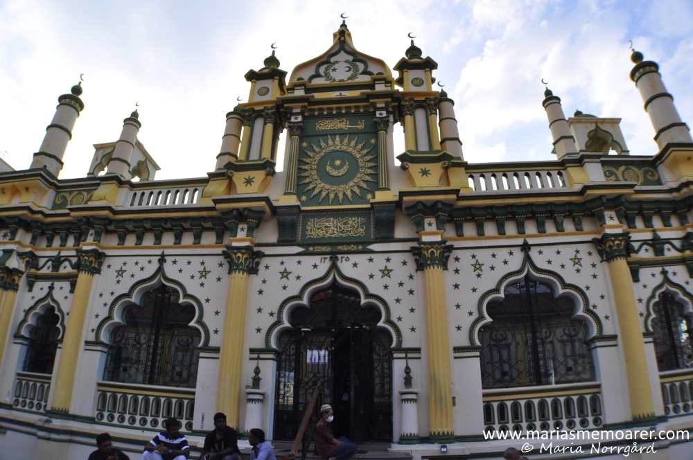 vackra moskén Abdul Gafoor Mosque i Little India, Singapore