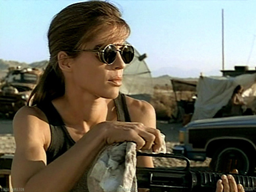 Linda Hamilton is an bad ass!