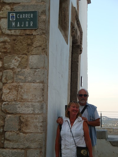 Dick och Jeanette Major på Carrer Major i gamla Ibiza stad.