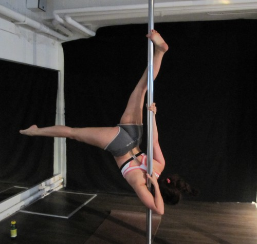 Pole dance bow n arrow