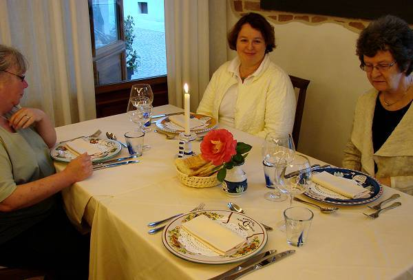 Eva, Tina and Marit in beautiful restaurant Conterosso