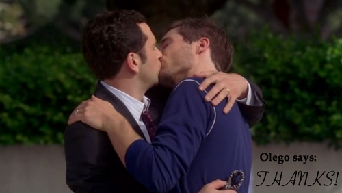 Kevin & Scotty kiss in Going once... Goince Twice