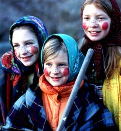 http://www.sweden.se/upload/Sweden_se/english/articles/SI/2006%20uppdaterad/Hunting%20down%20Easter%20in%20Sweden/witches_2.jpg